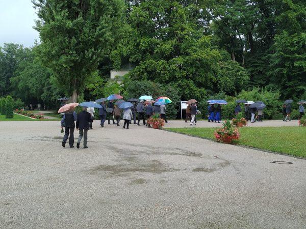 Beerdigungs-Schirme
